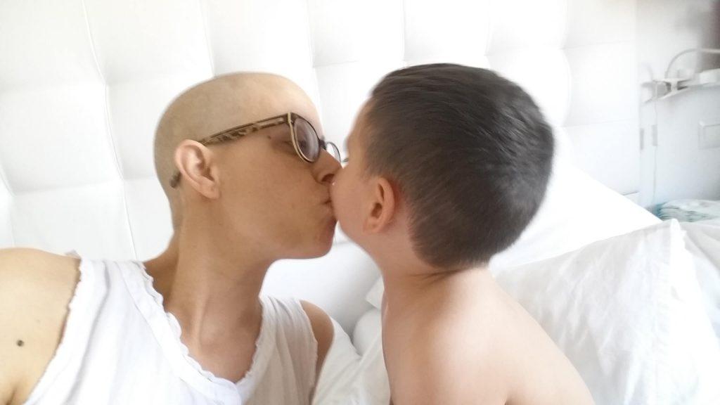 preocupación de una madre con cáncer
