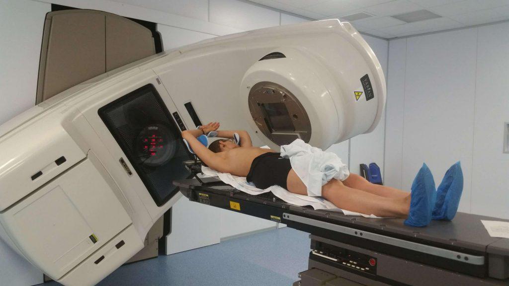 máquina de radioterapia